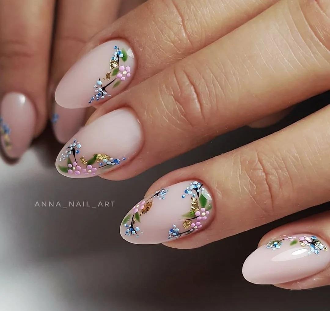 Модный маникюр: Яркие дизайны, броские оттенки, идеи ногтей, пёстрая подборка, фото.