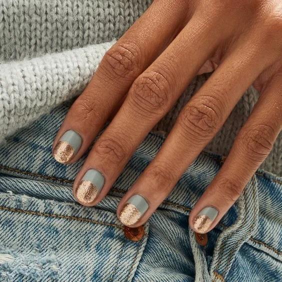 Маникюр 2021-2022 «Вельветовые ногти в тренде?» Свежие идеи для ваших ноготков на разную длину и форму!