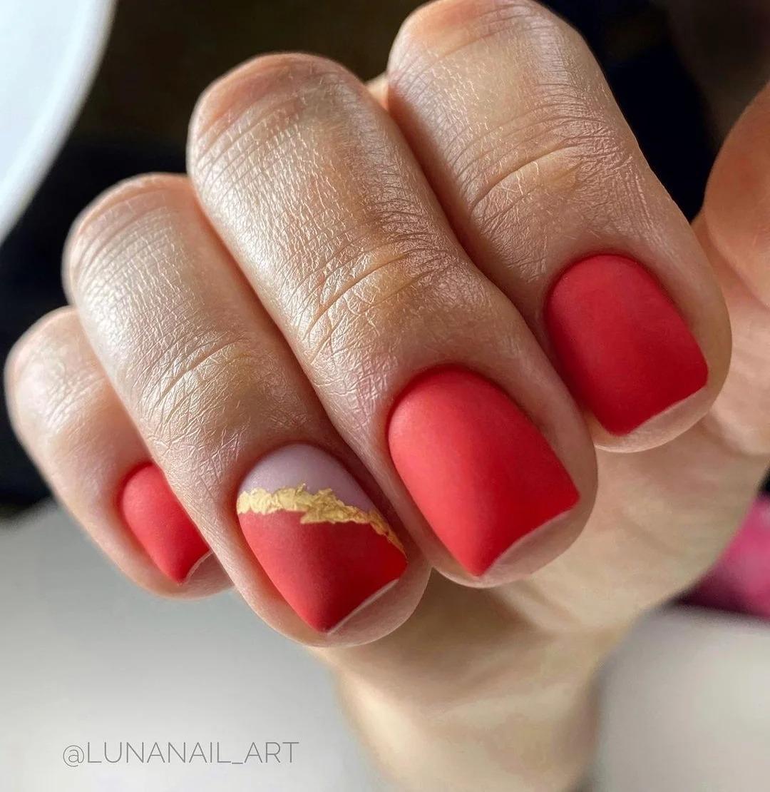 Матовые ногти снова в моде: Что лучше бархат или вельвет? Дизайны, идеи маникюра, красивые оттенки, фото 2021.