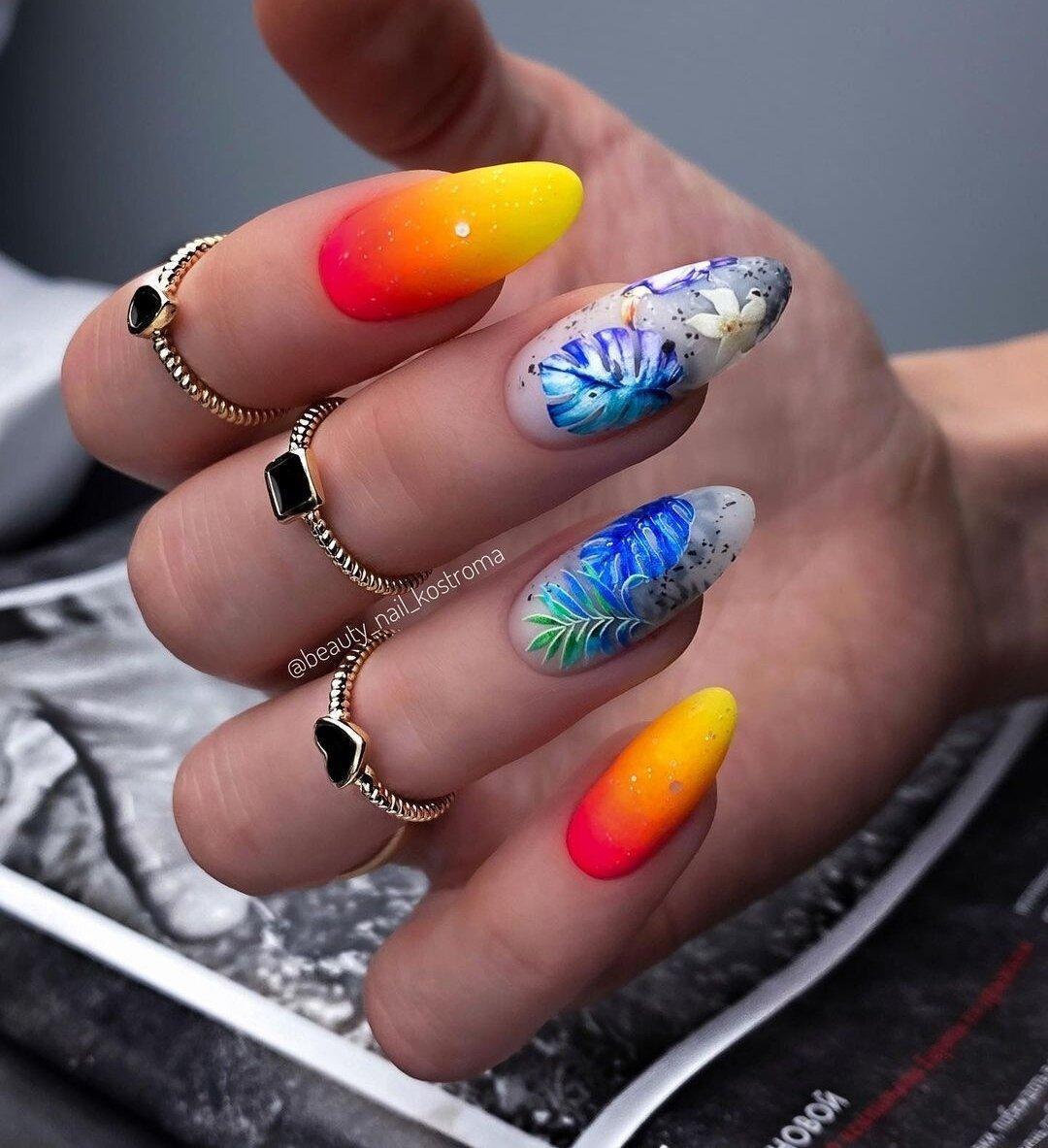 Подборка модного маникюра на июнь. Идеи ногтей, стильные дизайны, летние оттенки, обзор фото 2021.