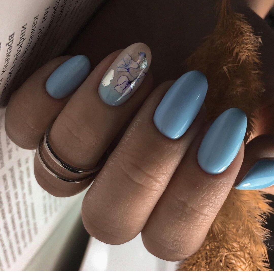 Голубой маникюр и его оттенки, снова в тренде. Подборка фото, идеи покрытий, дизайны, красивые тона, задумки.