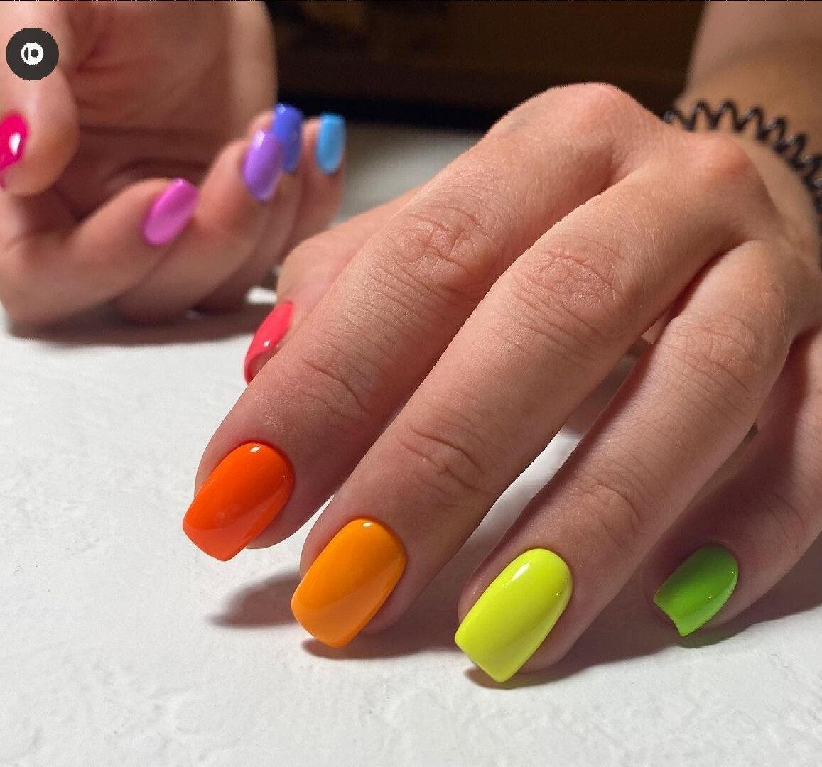 Маникюр на август: красочные цвета, красивые идеи, дизайны (фото), 2021.